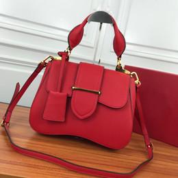 $enCountryForm.capitalKeyWord Australia - The latest P-box lady's buckle handbag fashion classic retro designer's shoulder bag fashion luxury handbag wallet Global Limited Edition ha