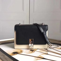 Leather Sling Bags Single Chain Australia - 2019 explosion models shoulder bag, the new shipping live wave is simple, the new leather lock chain chain leather slung female, fashion ret