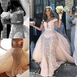 TrumpeT whiTe flower gowns online shopping - Romantic Flower Lace Applique Wedding Dresses with Detachable Train Sexy Off the Shoulder Sweetheart Neck Bridal Gowns for Wedding