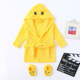 infant boy bath NZ - Cute Boys Girls Animal Bathrobe Hooded Bath Robes Infant Boys Girls Cartoon Flannel Bathrobes Hoodie Sleepwear+Footwear Outfits