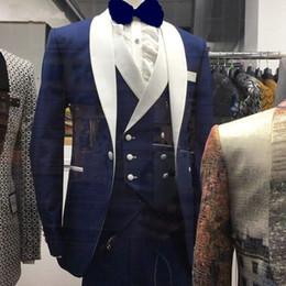 Men Prom Suits Champagne Gold Australia - Men Wedding New Brand Design Real Groomsmen White Shawl Lapel Groom Tuxedos Mens Tuxedo Wedding prom Suits Pieces C190416