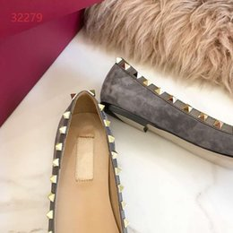 Fashionable Flat Shoes Laces Canada - 2019 Luxury Summer Fashionable High Quality Leisure Womens Sandals Genuine Leather Rivet Decoration Flat Shoes Brand