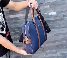 Vente en gros Sac à main réutilisable pour femme Sac 2019 Nouveau Modèle Portable Petit Carré Paquet Messenger Badge Chaîne Sac à bandoulière porte-monnaie écharpe # 007