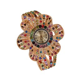 $enCountryForm.capitalKeyWord Australia - New Fashion Hot Big Flower Female Bracelet Watch Personality Rhinestone Ladies Watch Quartz
