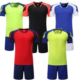 Wholesale football team suit for sale – designer 2020 fashion football suit is a customized training match team uniform for primary and middle school students