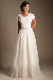 $enCountryForm.capitalKeyWord Australia - Ivory Short Sleeves Modest Wedding Dresses 2019 Cap Sleeves V Neck Buttons Lace Tulle Bridal Gowns A-line Inexpensive Wedding Gowns Sale