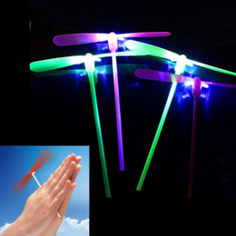 $enCountryForm.capitalKeyWord NZ - 0 52yw Glowing Bamboo Dragonfly Toys Led Flying Dragonflies Flash Light Up Helicopter Boomerang Frisbee Luminous Plastic Toy Hot Sale