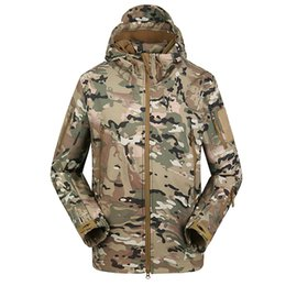 Skin Jacket Brown UK - Dropshipping Men Waterproof Coat Camouflage Hooded Army Camo Clothing Lurker Shark Skin Softshell V5 Tactical Jacket