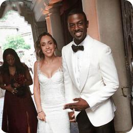 $enCountryForm.capitalKeyWord Canada - Tailored Made White Groom Tuxedos Men Wedding Suits Man Blazer Prom Jacket 2piece Evening Party Costume Homme Groomsmen Wear Black Pants