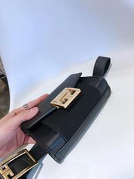 Toptan satış 2019 Yeni Lüks Çanta Kadın Çanta Tasarımcısı Bel Çantası Fanny Paketleri lady Kemer Çanta kadın Ünlü Marka Göğüs çanta