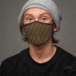 Máscaras Unisex Rosto lavável respirável máscara na moda Imprimir reutilizável sunproof Anti-pó Boca-de mufla Máscaras Cycling Sports para as Mulheres Homens D41006 em Promoção