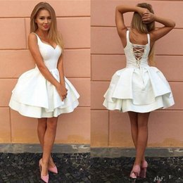 $enCountryForm.capitalKeyWord Australia - Sexy Criss-cross Straps Backless Little White Homecoming Prom Dresses V Neck Tiered Short Party Dresses 2018 Puffy Cheap Cocktail Dress