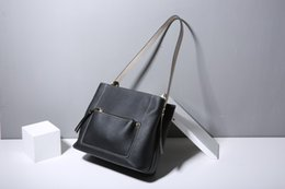 $enCountryForm.capitalKeyWord NZ - 2019 new fashion high-end hot sale first layer cowhide leather simple all-purpose casual hand bill of lading shoulder crossbody
