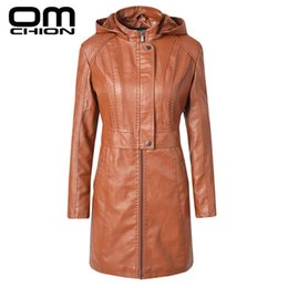 Wholesale fur lined leather jacket women for sale - Group buy OMCHION Winter Women PU Leather Jacket Waterproof Hooded Trench Zipper Thick Velvet Fur Lined Leather Jackets Female LMJ135