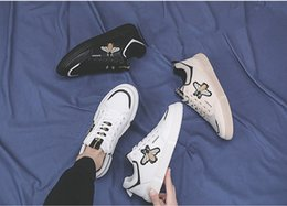 $enCountryForm.capitalKeyWord Australia - 18ss Italy Mens designer luxury shoes Casual Shoes white women sneakers good embroidery bee cock tiger dog fruit on the side with OG box