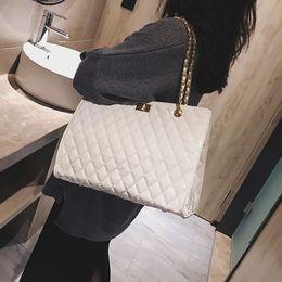 $enCountryForm.capitalKeyWord Australia - Chain Large Shoulder Bag Women Travel Bags Patent Leather Handbags For Women Tote Designer Sac A Main Femme