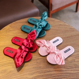 Discount big girl size sandals - Baby Girls Silk Big Bow Sandals 2019 New Summer Fashion Kids Slipper Children Girls Shoes 3 Colors
