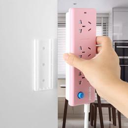Plug-in fixador plug-in de fixação adesivos de parede sem vestígios Sem painéis de parede de perfuração adesivos de parede fivela soquete em Promoção