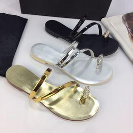 $enCountryForm.capitalKeyWord Australia - 2019 Fashion women's sandals slippers for men Hot Luxury Designer flower printed beach flip flops slipper BEST QUALITY yz19051406