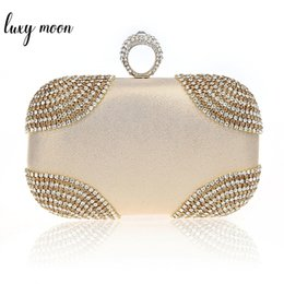 gold crystal evening clutch bag Australia - Knuckle Rings Clutch Bag Women Gold Color Diamond Evening Bag Crystal Purse Party Wedding Clutches Chain Handbag Ladies Totes