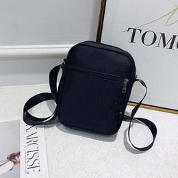 Wholesale 2019 Brand New Designer Shoulder Bag Luxury Crossbody Bag High Quality Casual Messengers Bag For Adult Kids Student