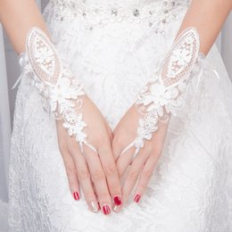 Gray lace weddinG online shopping - Wedding Gloves for Bride Appliqued Printed Fingerless Leaky Refers To Adult Lace Gloves Beaded Decoration Wedding