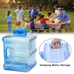 $enCountryForm.capitalKeyWord Australia - 10L Outdoor Portable Handheld Water Bucket PC Self-driving Tour Camping Square Thickened Bucket With Cover For Family Office