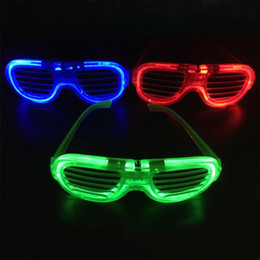Discount toy red glasses - Wedding Party Mask Glasses Entertainment Funny Tricks Toy LED Flashing Shutter Glasses Glowing Blind Glass with Battery