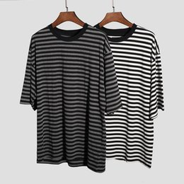 $enCountryForm.capitalKeyWord UK - Classic Short Sleeve Striped T-shirt Kanye West New Style Oversized Tee High Quality Hip Hop Clothes Men Cotton Casual T-shirts