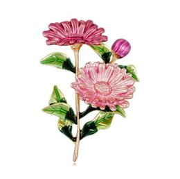$enCountryForm.capitalKeyWord Australia - Pink Daisy Bouquet Enamel Brooches Enamel Chrysanthemum Metal Flowers Weddings Banquet Brooch Pins For Women And Men