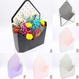 $enCountryForm.capitalKeyWord Australia - 1PC Gift Box Envelope Fold Flower Boxes Hand Holds Folding Floral Bouquet Paper Box Boite Dragees De Mariage Cajas De Regalo &xs