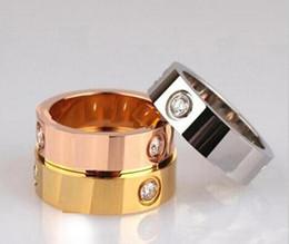 Toptan satış Kadınlar Erkekler takı Çiftler için Titanyum Paslanmaz Çelik Yüzük kırmızı çanta 4mm 6mm ile Taşlı Altın Gümüş Gül altın yüzükler