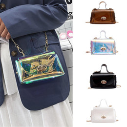 $enCountryForm.capitalKeyWord Australia - Fashion ladies bag laser handbag jelly shoulder bag new foreign gas chain Messenger portable small square Dropship Y604