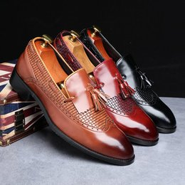 italian casual shoes for men Canada - 2019 Newest Men Tassel Loafers Italian Dress Shoes Casual Loafer for Men Slip-on Wedding Party Shoes Male Designer Leather Shoes