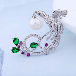 Wholesale Boxes Packaging Australia - Red Trees Brand Jewelry New Arrival High Quality Fashion Animal Shape Bird Brooches For Women Christmas Gift Box Package