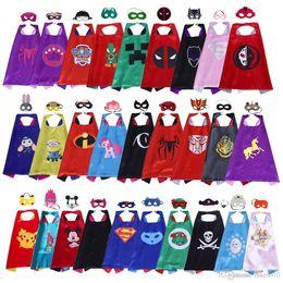 Vente en gros 70 * 70 cm Double couche super-héros Cape Mask pour enfants enfant Top Qualité 102 styles de bande dessinée Halloween super-héros costumes enfants film cosplay