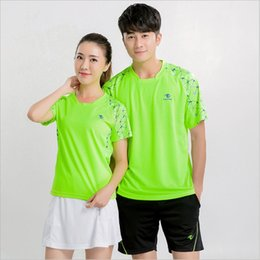 badminton uniforms women NZ - New short sleeve tennis suit for men and women speed dry sports jerseys match training team uniforms badminton uniforms customized