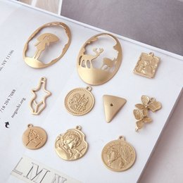 $enCountryForm.capitalKeyWord NZ - Gold plated Beauty Head Coin Flower elk charm pendant , earring bracelet necklace charm , jewelry findings