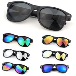 $enCountryForm.capitalKeyWord Australia - New Womens and Mens Most Cheap Modern Beach Sunglass Plastic Classic Style Sunglasses Wholesale Factory Price