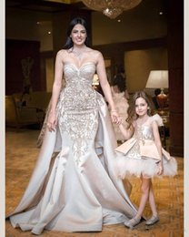 $enCountryForm.capitalKeyWord Australia - Sweetheart Champagne Mermaid Wedding Dresses With Gold Lace Embroidery Bridal Gowns Formal Custom Vestidos De Marriage European