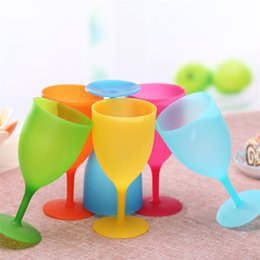 plastic drink glasses wholesale Canada - New Multi-function Plastic drinking cup Solid color tooth cup outdoors Wine glass household simple Goblet IA829