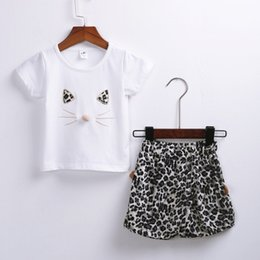 $enCountryForm.capitalKeyWord NZ - Summer Simple Kid Baby Girl Short Sleeve Cartoon Cat Letter Tops Short Pants Outfits Set New Style Suit Loose Hot