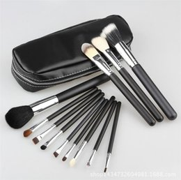 Designer branDs make up online shopping - M Brand Makeup Brushes Set Professional Makeup Brush Kits Brands Designer Black Handle Cosmetic Powder Foundation Make Up Set Tools
