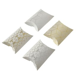 $enCountryForm.capitalKeyWord Australia - 2019 new Foil gold silver pattern Gift Box Pillow Shape Wedding Valentine's Day Party Gift Candy Boxes Gift packing box