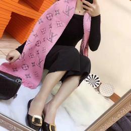 Toptan satış Sıcak sonbahar ve kış bayanlar eşarp mektubu desen kadın eşarp yün tasarımcı şal bayanlar sıcak eşarp boyutu 180x30 cm