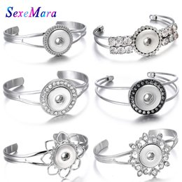 $enCountryForm.capitalKeyWord Australia - New Snap Jewelry Metal Silver Snap Button Bracelet Fit 18mm Buttons Jewelry Charms Bracelets for Women Open Cuff Bangles