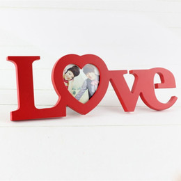Wholesale Love Shape Photo Frame Home Decor Decoration Bedroom Desk Ornament Wooden Wedding Picture Frame Casamento Gift