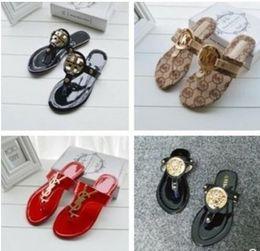 $enCountryForm.capitalKeyWord Australia - Women Designer Sandals Luxury pu Leather flip flops Metal chains Summer Beach Shoes fashion slippers size 36-42