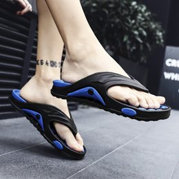 Discount massage rooms - 2019 Wholesale Mens Flip Flops Summer Men's New Style Rubber Soft Shoes Outdoor Beach Men's Slippers Massage M