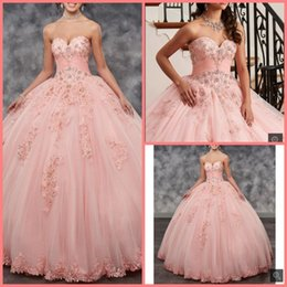 Wholesale 2019 new arrival pink ball gown lace appliques beaded prom dress strapless pleated sweetheart neck quinceanera gowns hot sale